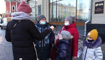 «Левые» свечи» / Как патриарх Кирилл устанавливает монополию РПЦ на продажу церковных свечей